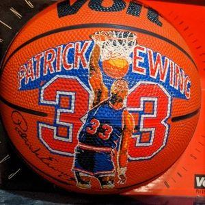 Patrick Ewing vintage New York Knicks ball